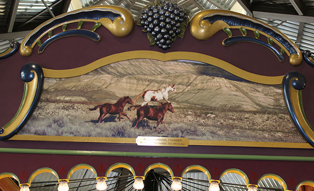 Rounding Board Section 2 - 3 Horses Image